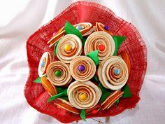 Ramo de flores hechas con piel de naranja seca.