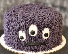 This one has instructions on the fur. FUN Beki Cook's Cake Blog: Easy Monster Cake