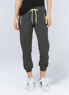 TNA CAMDEN PANT - Sleek jogging pants in heathered, ultrastretch fabric