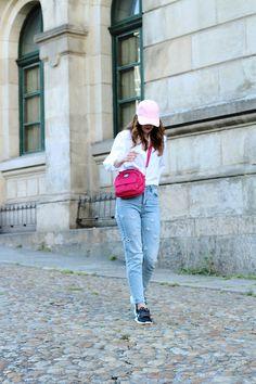 Pink bag + jeans- Martina Lubián