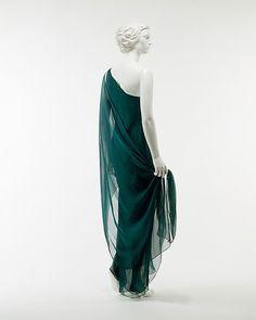 Halston | Dressmaking, Iowa and 1950s