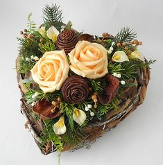 GRABGESTECK HERZ WOLLWEISS, Grabschmuck, Allerheiligen, Totensonntag, Gedenktag - EUR 28,95 | PicClick DE Modern Floral Arrangements, Christmas Flower Arrangements, Funeral Flower Arrangements, Funeral Flowers, Funeral Tributes, How To Preserve Flowers, Diy Flowers, Christmas Wreaths, Table Decorations