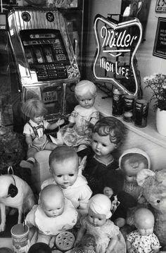François Dupuy   Brocanteur de poupées, Bruges, Belgique, circa 1998.