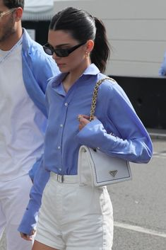 Kendall Jenner Style 319755642296949119 - Source by maudvildier Outfit Chic, Outfit Jeans, Looks Chic, Looks Style, Versace, Outfits Casual, Cute Outfits, Look Fashion, Fashion Outfits