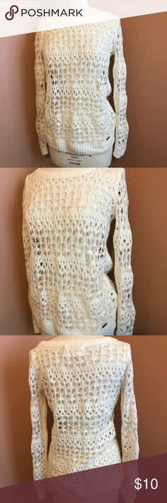 d9bd9804887 Hollister sweater Pre-owned and in good condition-no rips