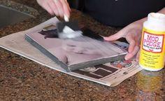 Ze plakt een foto op een stuk canvas. Het eindresultaat? Ik ga VANDAAG nog naar de Action! - Tips en ideetjes