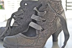 Ribbon ankle boots
