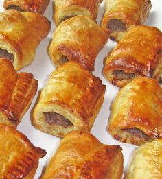 Dutch Sausage Rolls (Saucijzenbroodje) – spiced meat rolled in puff pastry, a delicious appetizer or snack, perfect for the holiday season or anytime! Sausage Rolls Puff Pastry, Puff Pastry Recipes, Julia Childs, Meat Rolls, Indonesian Food, Indonesian Recipes, Indian Recipes, Appetisers, Yummy Appetizers