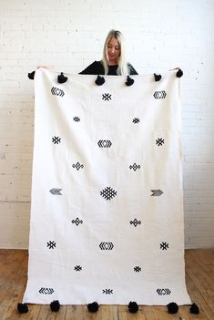 Pompom Blanket from Morocco – Black & White – Baba Souk Montreal Tribal Patterns, Modern Boho, Fabric Painting, Bohemian Decor, Home Textile, Embroidery Patterns, Black And White, Quilt, Handmade