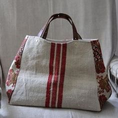 The red stripe is linen tea towel fabric that i saw at fabricland. Could make it in duffel style.