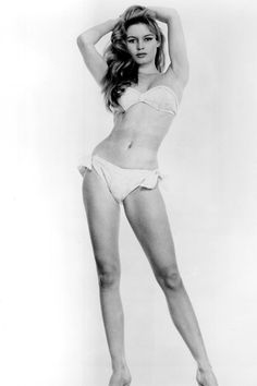 Brigitte Bardot pictures and photos Brigitte Bardot, Bridget Bardot, Hollywood Icons, Hollywood Celebrities, Paparazzi Photos, Bikini Photos, Vintage Beauty, Old Pictures, Pin Up Girls