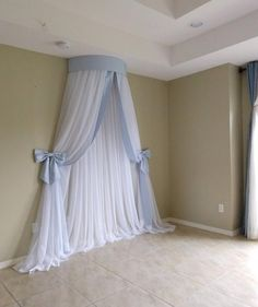 Simple and elegant style. Materials shown in the picture: sheer voile curtains and faux silk dupioni fabric (top of the crown, trim on edges and bows). Guest Bedroom Decor, Bohemian Bedroom Decor, Baby Room Decor, Navy Crib Bedding, Bed Crown Canopy, Girls Furniture, Ruffle Curtains, Princess Nursery, Kids Canopy