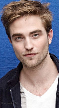 Robert Pattinson - BD1 - Press Conference L.A   /11