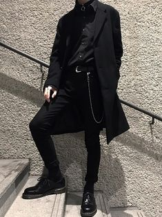 Minimal Fashion Source by clothes fashion men Edgy Outfits, Grunge Outfits, Cool Outfits, Fashion Outfits, Fashion Sites, Dark Fashion, Minimal Fashion, Grunge Fashion, Minimal Clothing