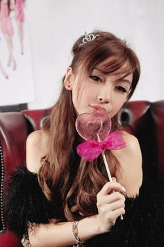 Angelababy Accused Of Plastic Surgery But Denied It