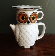 Vintage Teapots owl