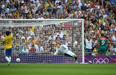 Peralta scores Mexico's second goal. (Getty)