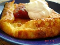 Oven Baked Pancakes, Pancakes Easy, What's For Breakfast, Blondies, Deserts, Brunch, Food And Drink, Pie, Sweets