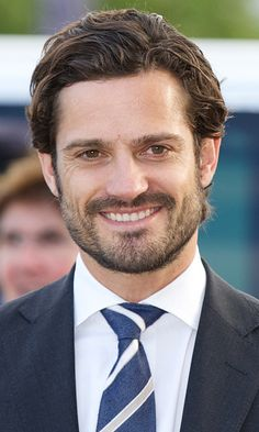 Prince Carl Philip Photos - Prince Carl Philip of Sweden visits the Falun Mine world heritage site during the first day of a two day trip to Dalarna on October 2015 in Falun, Sweden. - Prince Carl Philip of Sweden and Princess Sofia Visit Dalarna - Day 1 Harry And Meghan Wedding, Prince Harry And Meghan, Prince Felix, Prince Philip, Princess Sofia Of Sweden, Prince And Princess, Prinz Carl Philip, Prince Of Monaco, Swedish Royalty