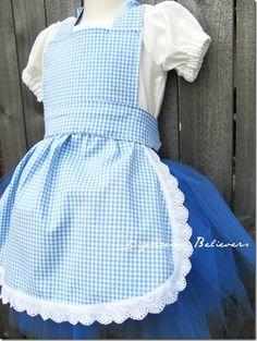 I love this Dorothy costume!