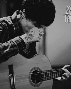 gif Black and White guitar singer scream live Bring Me The Horizon bmth acoustic b&w OLI SYKES warped Emo Bands, Music Bands, Music Is Life, My Music, Oli Sykes, I Love Him, My Love, Love Band, Star Wars