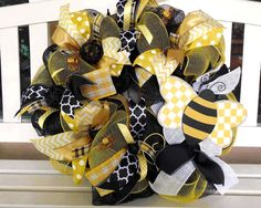 Bee Wreath, Wreaths, Summer mesh wreath, Bee, Spring, Summer decor, Deco mesh, Yellow Black, Black and white, White and yellow, Whimsical