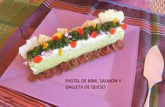 Pastel de bimi-salmón y queso Salmon, Birthday Cake, Desserts, Food, Nice, Cheese Biscuits, Pie Recipes, Easy Cooking, Snacks