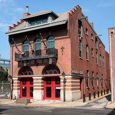 A historic Philadelphia firehouse that now serves as Fireman's Hall Museum | Shared by LION