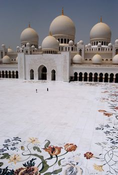 Sheikh Zayed Mosque by Rashed Al Za'abi (2008)  Abu Dhabi, UAE