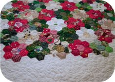 ProsperityStuff Quilts: Detail on English Paper Piecing - Christmas Hexagons Quilt