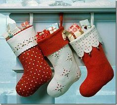 Amazing handmade Christmas stockings - Top 20 of The Most Magnificent DIY Christmas Decoration Ideas - DIY @ Craft's Decoration Christmas, Noel Christmas, Handmade Christmas, Vintage Christmas, Elegant Christmas, Cabin Christmas, Christmas Tables, Nordic Christmas, Diy Decoration