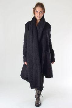 Rundholz Winter 2015/16 #rundholz #studiorundholz #fashion #mode #selectmode #newcollection #lagenlook #winter #aw15 #hw15 #wintermantel #coat #wintercoat #design