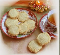 Friesenkekse mürb - zart If you want for any 6 group, transitioning the weight loss Fried Biscuits, Great Recipes, Snack Recipes, Foil Pack Meals, Sweet Potato Chili, Frittata Recipes, Cooking Supplies, Christmas Crackers, Lentil Recipes