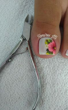 Flowers for white pedicure. Pedicure Nail Designs, Pedicure Nail Art, Toe Nail Designs, Toe Nail Art, White Pedicure, Cute Toe Nails, Love Nails, Pink Nails, Gorgeous Nails