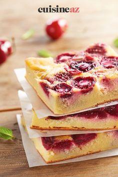 Le clafoutis est un gâteau traditionnel aux cerises. Celui-ci se prépare en moins d'une heure auThermomix. #recette#cuisine#clafoutis#cerises#fruit#robot #robotculinaire #thermomix Dessert Sans Lactose, Crepes, Cherry Clafoutis, Fancy Desserts, Bons Desserts, French Food, Pork Belly, Something Sweet, Custard