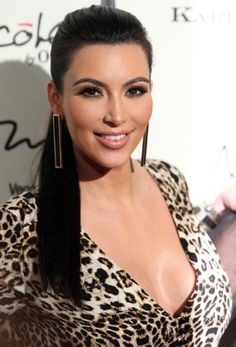 Kim Kardashian Photos - Kim Kardashian Sleek Pony Tail How-To-Guide - 1 - Celebuzz