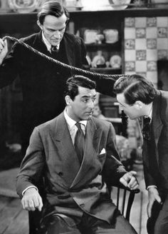 Arsenic and Old Lace (1944) - All I did was cross the bridge and I was in Brooklyn. Amazing. One of the best