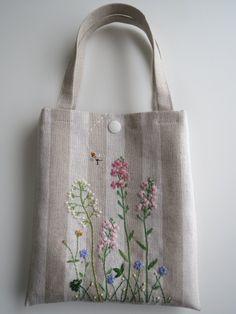 刺繍のミニバッグ(野の花)ピンク画像1