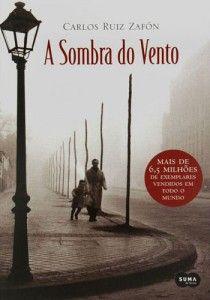 A sombra do vento, de Carlos Luiz Zafón. Obrigada ao colega que me apresentou esse autor. Pra mim é um dos melhores.