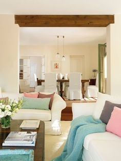 Fine and soft coloured living room Home Living Room, Living Area, Living Room Designs, Interior Columns, Interior Design, Pastel House, Beautiful Living Rooms, Shabby, Colorful Furniture