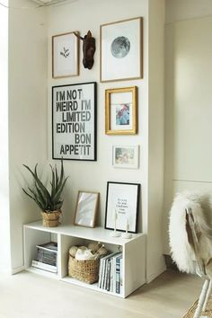 Simple and modern decoration idea with inspiring pictures and boxes