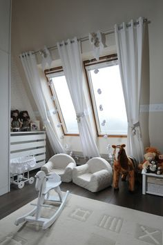 Skylight Covering, Roof Window, Curtain Designs, Window Treatments, Baby Room, Blinds, Toddler Bed, Sweet Home, New Homes