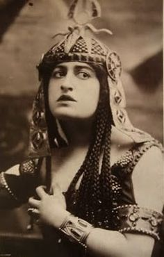 Being Cleopatra:   Constance Collier 1907