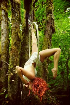 Lyra goddess in the woods Lyra Aerial, Aerial Acrobatics, Aerial Dance, Aerial Hoop, Aerial Arts, Aerial Silks, Pole Dance, Dance Art, Art Du Cirque