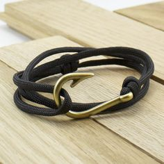 Antique Brass Fish Hook Paracord Bracelet