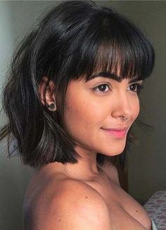 Stylish Short Haircuts with Front Bangs to Flaunt in 2018 Modern styles of short hairstyles with bangs for all the women who wanna make themselves look more elegant than before. Discover the ideas about the latest hairstyles for short hair a long with bes Stylish Short Haircuts, Short Hairstyles For Women, Latest Hairstyles, Short Haircuts With Bangs, Bangs Short Hair, Short Hair Cuts For Women With Bangs, Medium Bob With Bangs, Short Cuts, Thick Bangs