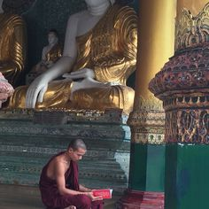 Yangon Yangon, Daenerys Targaryen, Game Of Thrones Characters, Painting, Fictional Characters, Art, Art Background, Painting Art, Paintings