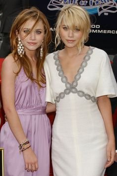 Mary-Kate and Ashley Olsen's Best Twinning Beauty Looks Through the Years - 2004