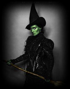 Zauberer von Oz Hexenkostüm selber machen   Kostüm Idee zu Karneval, Halloween & Fasching