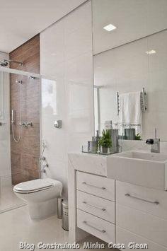 Parede do chuveiro com revestimento diferente /// 30 Dicas de Banheiros e Lavabos Decorados e Modernos!!!